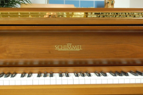Pianohaus Landt Schimmel Flügel