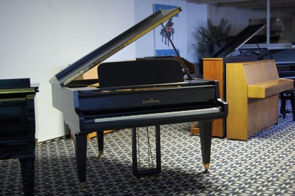 Flügel Schimmel Schwarz matt  lackiert mit Messingbeschlägen Pianohaus Landt