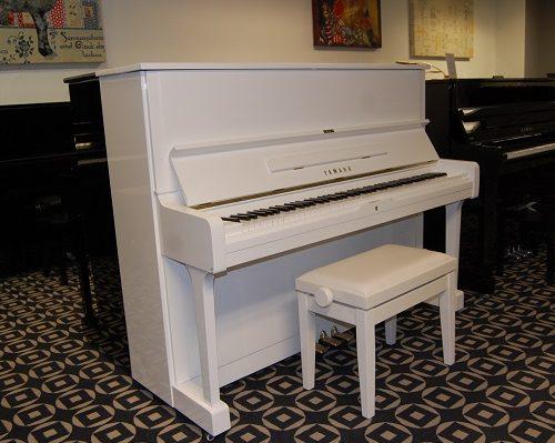 Pianohaus Landt Yamaha U1 weiß
