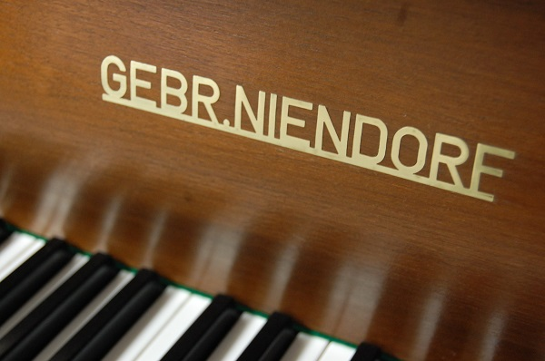 Niendorf Logo